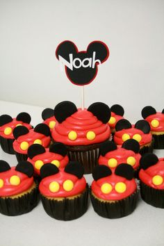 For Raine's bday. Could use mini oreos or peppermint patties as ears. Would do chocolate icing with crushed oreos on top, and red liners with yellow dots. Maybe crushed oreos in cake batter. Theme Mickey, Mickey Mouse Clubhouse Birthday Party, Mickey Mouse 1st Birthday, Mickey Y Minnie, Mickey Mouse Parties, Mickey Party, Disney Parties, 3rd Birthday, Birthday Ideas