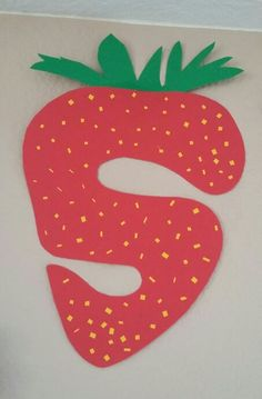 S for s-s-s strawberry! Letter art for preschoolers and kids!