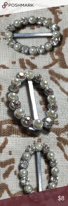 """4 for $20 - Vintage rhinestone & pearl belt buckle Add a little glimmer, glam and a touch of whimsy to any outfit with this rhinestone and faux pearl belt buckle or you could use this with a long scarf. Vintage. Good condition but one end is rough - see photo. 1.5"""" x 1"""". Buy 4 items marked """"4 for $20"""" and get them for $20! Vintage Accessories Belts"""