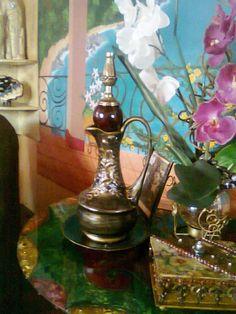 by drica klein objetos diversos compondo uma nova versão para jarro reciclado...