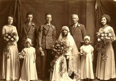 lilly's lace shares over 100 vintage wedding photos