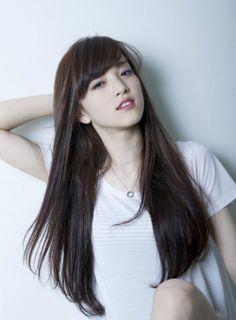 (2ページ目)黒髪ロング画像集!女子永遠の憧れNo.1髪型はやっぱりこれだ!-カウモ