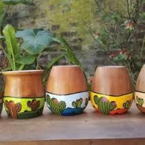 Resultado de imagen para mates pintados Painted Flower Pots, Painted Pots, Ceramic Pots, Clay Pots, Pottery Painting, Painting On Wood, Cactus Clipart, Cacti And Succulents, Diy And Crafts