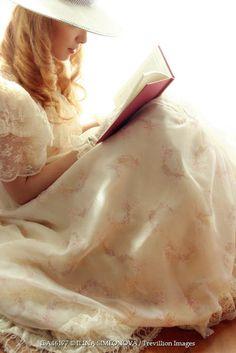 ILINA SIMEONOVA VINTAGE WOMAN READING BOOK Women