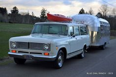 1972 IH Travelall - Blue Oval Ranch