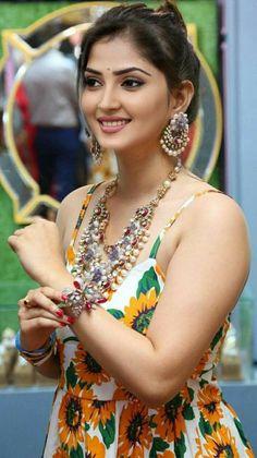 Beautiful Girl In India, Beautiful Girl Photo, Most Beautiful Indian Actress, Beautiful Bollywood Actress, Beautiful Actresses, Hot Actresses, Cute Beauty, Beauty Full Girl, Beauty Women