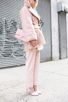 Color Crush :: Rose Quartz {Pantone Color of the Year} - fête du juliet Pink Fashion, Fashion Outfits, Pink Outfits, Casual Outfits, Looks Style, My Style, Style Star, Daily Style, Blush Outfit