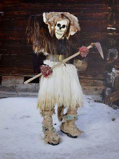 Charles Fréger reisde de wereld over opzoek naar tradities en gebruiken wat betreft de zogeheten wildeman, een mythologisch figuur. Hij legde de meest bijzondere kostuums vast en verzamelde ze in zijn boek Wilder Mann: the Image of the Savage.