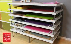 Flat file storage with LINNMON table tops - IKEA hackersAfter teaching Pre-K, I think of a rack for storing art projects in a classroom. IKEA hacker: flat file storage with LINNMON table ideas for Craft Room Storage, Paper Storage, Craft Rooms, Fabric Storage, Ribbon Storage, Ikea Hackers, Studio Organization, Organization Hacks, Organizing Tips