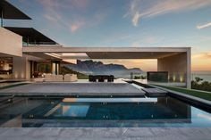 A Contemporary South African Home with Spectular 360° Views