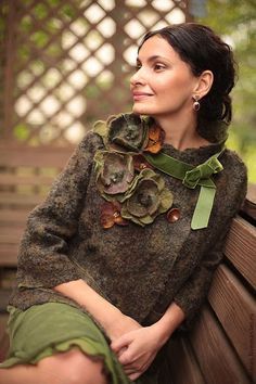 "Pattern for seemless felted Сoat ""Spring in Paris (green)"" with instructions - Clothes 👒 Diy Fashion, Ideias Fashion, Womens Fashion, Fashion Ideas, Winter Fashion, Paris Green, Altered Couture, Refashioning, Mode Inspiration"