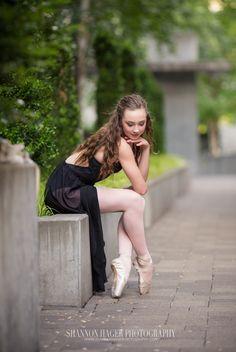 fired-up dance academy, portland senior photographer, tigard senior, ballet dancer, shannon hager photography, en pointe