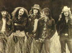 The Outlaws (Band) check out Billy Jones at far left. An underrated, excellent guitarist. Outlaw Country, Country Music, Rock N Roll Music, Rock And Roll, Outlaws Band, Classic Rock Albums, Americana Music, Back In The 90s, Music Icon