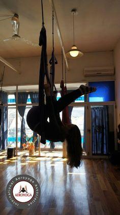 aerial yoga Argentina, fly yoga experience www.aerialyoga.tv www.yoga-fly.com