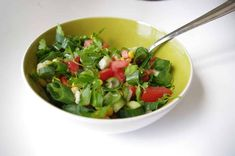 Here's a Recipe to Make a Simple Green Spanish Salad (Ensalada Verde) Herbalife, Cilantro, Spanish Salad, Brunch, Mango Salad, Fatty Liver, Hair Remedies, Natural Cures, Vegetables