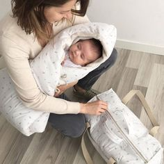 En pleno shooting intenso, va y la modelo se nos duerme... Es el poder hipnótico del saco para capazo de @babyshower.  #baby #babies #adorable #cute #cuddly #cuddle #small #lovely #love #instagood #kid #kids #beautiful #life #sleep #sleeping #children #happy #igbabies #childrenphoto #toddler #instababy #infant #young #photooftheday #sweet #tiny #little #family