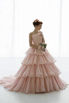 世界で1着、優しいアプリコットピンクのカラードレス