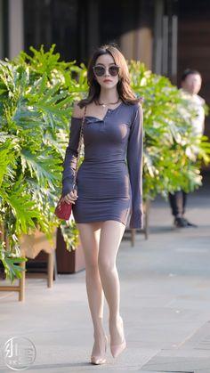 Beautiful Asian Women, Beautiful Legs, Curvy Girl Fashion, New Fashion, Sexy Legs And Heels, Sweet Girls, Women Swimsuits, Asian Woman, Female Bodies