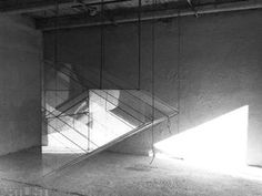 tabulové sklo, konopný provázek, 100 x 100 x 180 cm /ateliér Šarovy/
