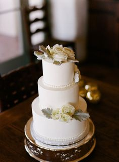 Nothing better than fresh flowers on a simple cake - and I'm a big fan of dusty miller