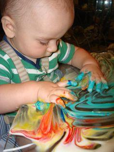 50 ideas para bandejas sensoriales. Play At Home Mom LLC: 50 Sensory Bin Ideas