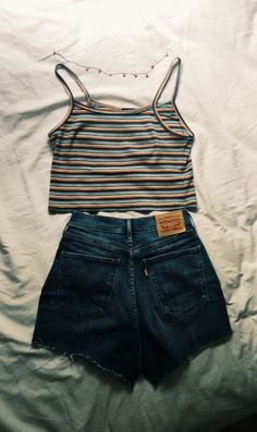 42 Comfy Street Style Looks That Will Make You Look Cool 42 Com. - 42 Comfy Street Style Looks That Will Make You Look Cool 42 Comfy Street Style Loo - Teen Fashion Outfits, Cute Fashion, Outfits For Teens, Fashion Ideas, Fashion Edgy, Work Outfits, Street Fashion, Fashion Trends, Fashion Vintage