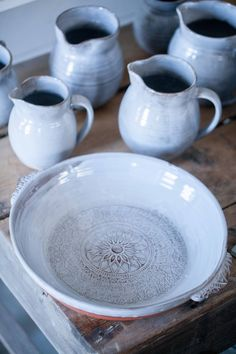 Stoneware Clay, Ceramic Bowls, Pottery Bowls, Ceramic Pottery, Keramik Design, Bowl Designs, Japanese Ceramics, Pottery Making, Pottery Studio
