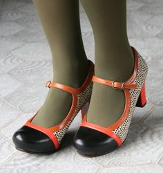 LACHICA RED :: SHOES :: CHIE MIHARA SHOP ONLINE
