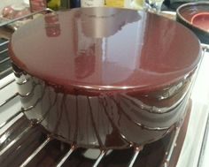 Another Mirror Glaze To Try Thermomix Desserts, No Cook Desserts, Sweet Recipes, Cake Recipes, Dessert Recipes, Doce Light, Decoration Patisserie, Salsa Dulce, Desserts With Biscuits
