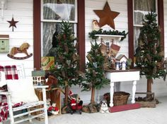 Rustic Christmas Porch - Stunning Outdoor Christmas Displays on HGTV Country Christmas Decorations, Christmas Porch, Primitive Christmas, Rustic Christmas, Vintage Christmas, Christmas Displays, Christmas Ideas, Holiday Ideas, Christmas Holidays