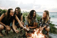 Girls, friendship, and summer image Cute Friend Pictures, Best Friend Pictures, Friend Pics, Shotting Photo, Cute Friends, Beach With Friends, Friends Shirts, 3 Best Friends, Gal Pal