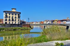 Pisa is a city full of Italian culture, buildings, parks and statues as well as delicious pizza and gorgeous gelato. The top things to do in Pisa. Stuff To Do, Things To Do, Pisa Italy, Hostel, Tower, Europe, Mansions, Park, House Styles