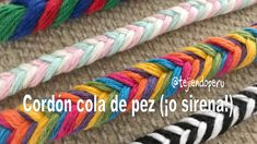 Cola de sirena diy paso a paso - Mini videos de Tejiendo Perú (tips para - Oppo system Diy Home Crafts, Diy Crafts Videos, Yarn Crafts, Diy Crafts To Sell, Diy Bracelets Easy, Bracelet Crafts, Diy Friendship Bracelets Video, Braided Bracelets, Loom Bracelets