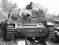 Sturmpanzer IV. Brummbär SdKfz. 166   WW2 tanks   Flickr