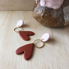 AMORE Earrings - Speckled Blush Pink & Terracotta with a brass ring. Polymer Clay Projects, Polymer Clay Art, Polymer Clay Jewelry, Diy Jewelry Rings, Jewelery, Jewelry Making, Diy Clay Earrings, Biscuit, Clay Design
