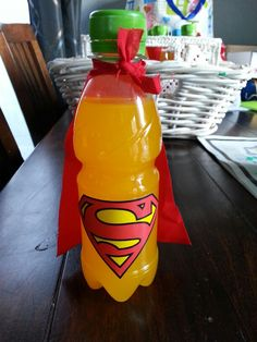 We maken zelf limonade en geven hem een mooie verpakking