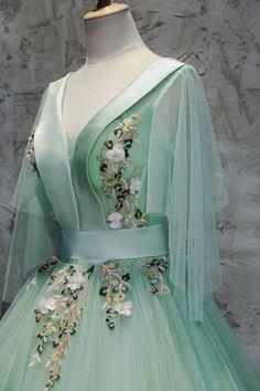 386 Best renaissance gown images  83e0d9346e4b