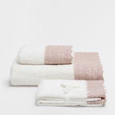 PINK LACE TRIM COTTON TOWELS