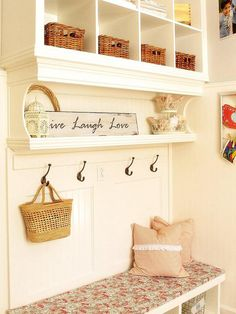 would love something like this in my laundry/mudroom