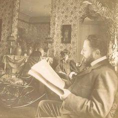 Édouard Vuillard The Newspaper, ca. 1896−98. Thadée Natanson – co-publisher of the avant-garde journal La revue blanche and his wife Misia.