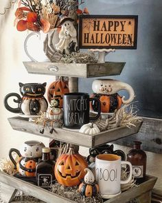 Just a day before fall I couldn't hold off my Halloween tray! I gathered several adorable items on it by she has become my… Halloween Veranda, Farmhouse Halloween, Halloween Mantel, Halloween Displays, Outdoor Halloween, Happy Halloween, Modern Halloween Decor, Diy Halloween Decorations, Halloween Crafts