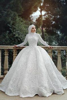 Modern Tesett r Gelinlik Modelleri Her G ne Bir Yudum Bilgi Tesett r alvar Modelleri 2020 Hijabi Wedding, Muslimah Wedding Dress, Muslim Wedding Dresses, Muslim Brides, Dream Wedding Dresses, Bridal Dresses, Wedding Gowns, Wedding Hijab Styles, Bridal Hijab