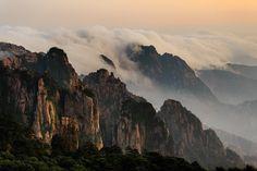 Mount Huangshan Xixia Sunset, China #Travel-ParadiseDivineChina