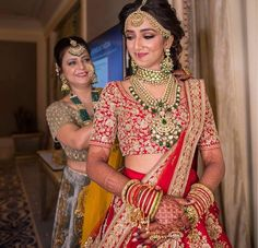 Trending Offbeat Jewellery for your Unique bridal look! Leave the regular bridal jewellery and experiment something new for your bridal look! Indian Bridal Outfits, Indian Bridal Lehenga, Indian Bridal Fashion, Indian Bridal Makeup, Bridal Dupatta, Muslim Wedding Dresses, Bridal Dresses, Indian Wedding Bride, Gothic Wedding