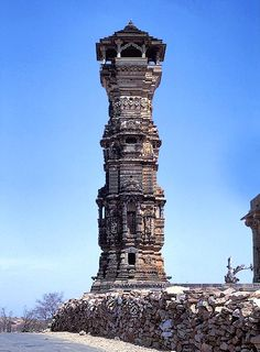 OF ROCK TOMBS, CAVE TEMPLES, AND THE ARCHITECTURE OF ANCIENT INDIA