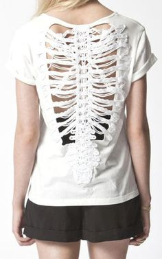 Vertebrae Tee ~ Would be fun to wear. the hubs is a chiropractor :) Alternative Fashion, Dress Me Up, Style Me, Real Style, To My Daughter, Feminine, Style Inspiration, Tees, Shirts