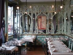 Bouillon Racine, Art Nouveau Restaurant in Paris