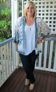 How a cape or kimono jacket can change a basic outfit in one easy move  | Blue Bungalow kimono