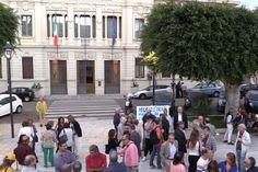 In piazza per difendere l'indipendenza del Tito Minniti
