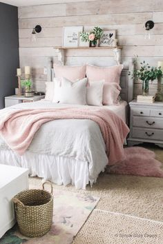 Yet another favourite amongst the ladies... Rticularly the ones who are cuteness overloaded. This one is made for you. Pink and white with a tinge of green. Design Salon, Deco Design, Decoration Bedroom, Diy Home Decor, Wall Decor, Winter Bedroom, Diy Casa, Home And Deco, Decorating On A Budget
